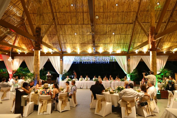 Jenna and Ben | Fiji Wedding | Vahavu Reception | Outrigger | Zoom Fiji Photography