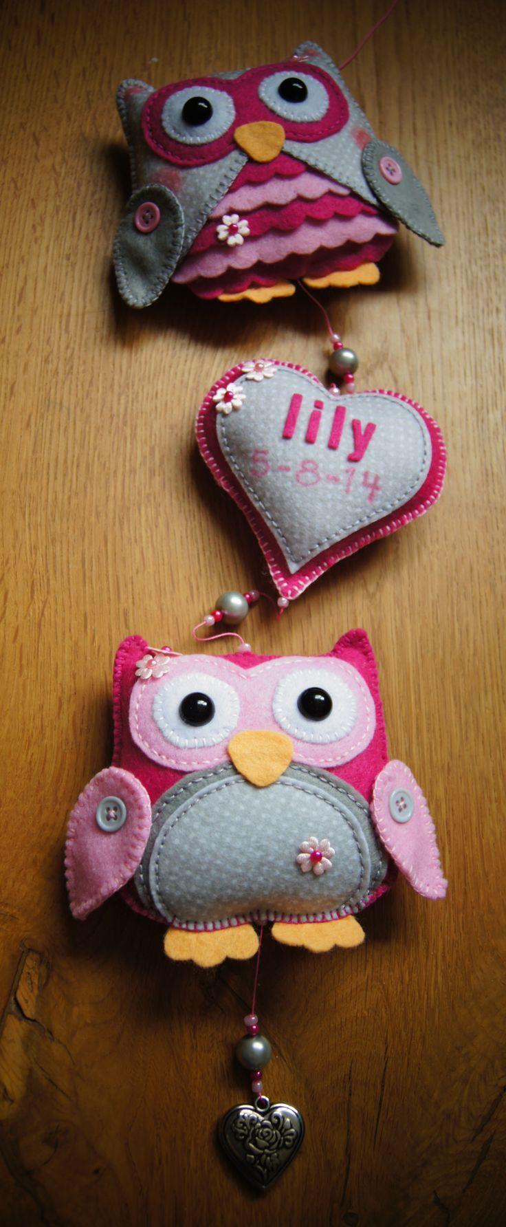 Handmade by JoHo - uilen van vilt kraamcadeau - felt owl