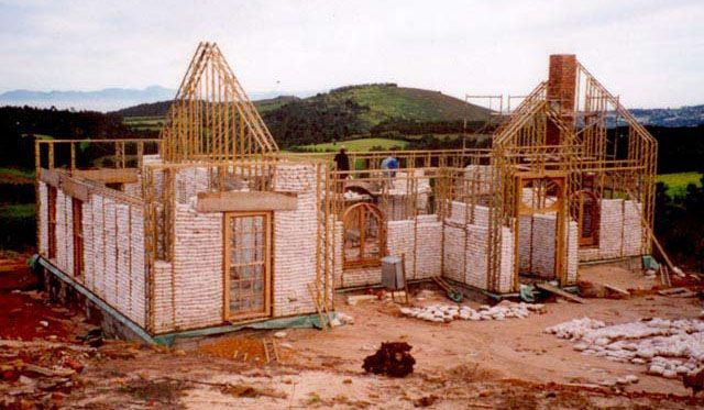 1000 images about cob earth house on pinterest cob for Contractors for building houses