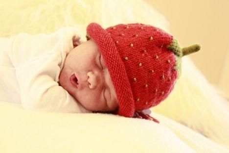 Fira prinsessan Estelle - sticka jordgubbsmössa! - Hemmets Journal