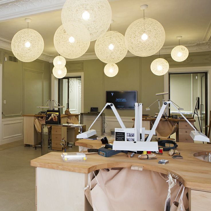 L'ECOLE Van Cleef & Arpels new location at 22 place Vendôme - The Savoir-Faire Atelier.