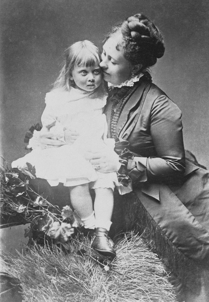 Victoria, Crown Princess of Germany, with her daughter, Princess Margaret, 1874 [in Portraits of Royal Children Vol.19 1874-75] | Royal Collection Trust