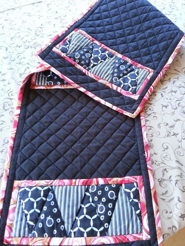 Darvanalee Designs Long Arm Quilting and More: Chriss Cross Table Runner and Place Mat Set PART 1...