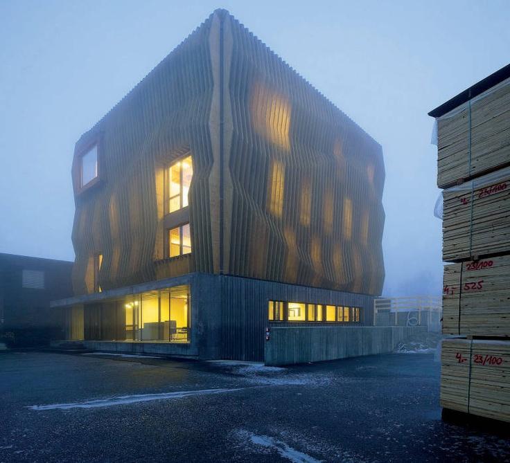 Edificio LignoAlp Notturno