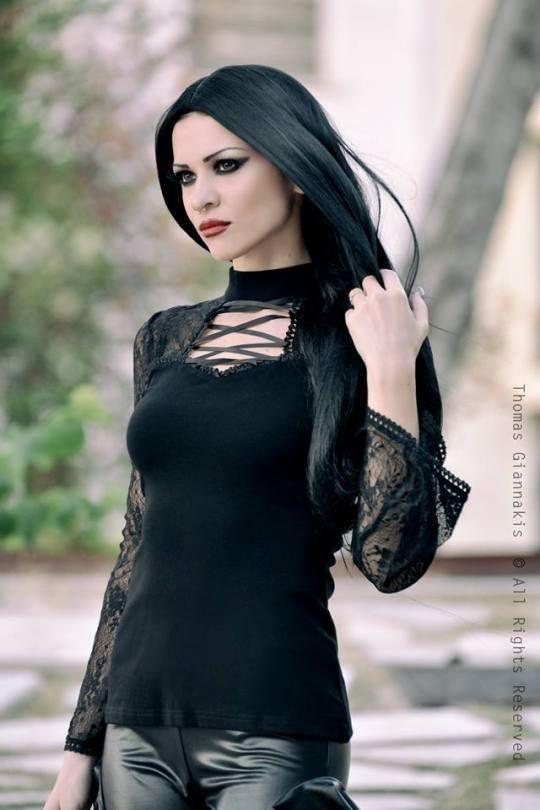 Best 25 Gothic Models Ideas On Pinterest  Gothic Girls -3274