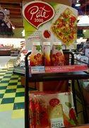 Pizza facile à croûte mince! Acheter les croutes et la sauce aussi! Ajouter pepperoni et fromage! Antoine adore!!!