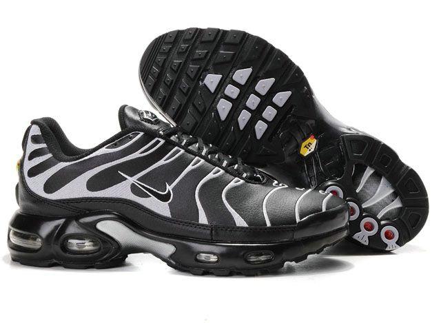 La zapatillas  Nike Air max hombre utiliza una unidad de amortiguación de aire grande en el talón que es visible desde el lado de la entresuela en la mayoría de los modelos.Todas las zapatillas Nike Air Max hombre son originales y directamente desde la fábrica. Todos zapatillas Nike Air Max hombre, la mujer, zapatos de los niños son 30-70% de descuento y envío gratis