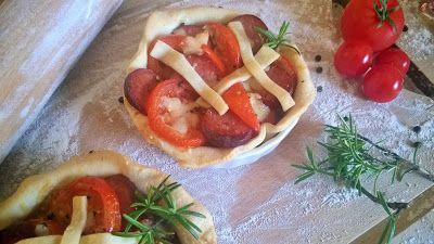 Das Leben ist ein Kochtopf!: Tomatentartelettes mit Rotweinsalami oder Hilfe, Ü...