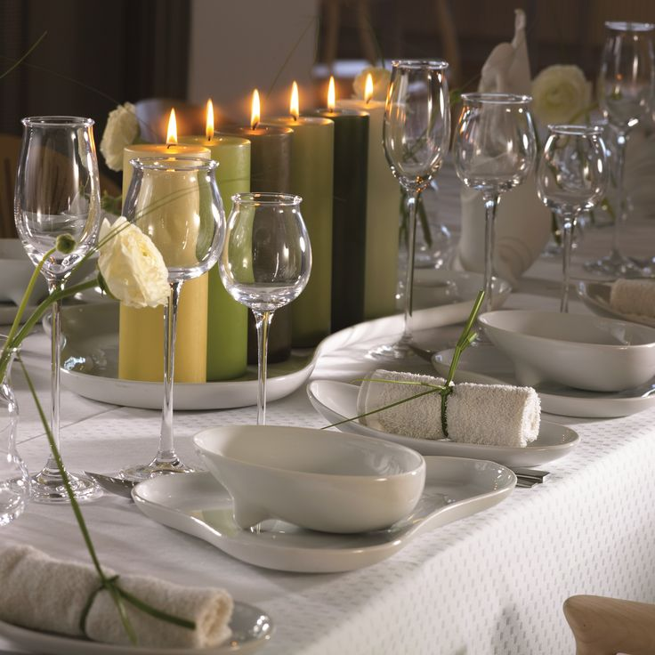 Table setting with OLE dinnerware