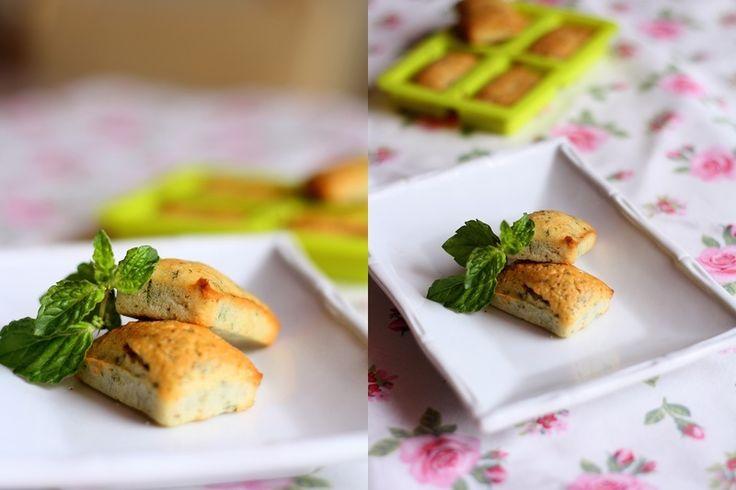 Мятные финансье -   Mint financier  Маленькие очаровательные французские пирожные, главным ингредиентом которых является миндальная мука, никого не оставят равнодушными. По поводу названия существует несколько версий, которые так или иначе связаны с финансами). Как