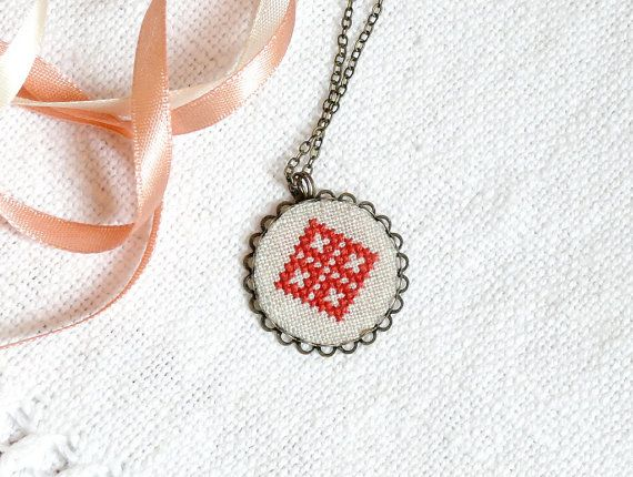 Hand embroidered necklace Red diamonds in bronze by skrynka