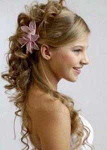 peinado con flor para 15 años