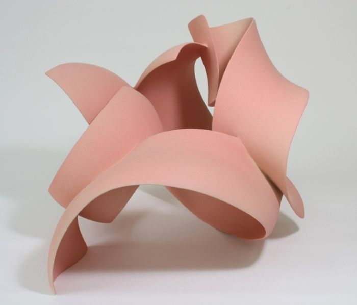 Ceramic sculpture by Wouter Dam.