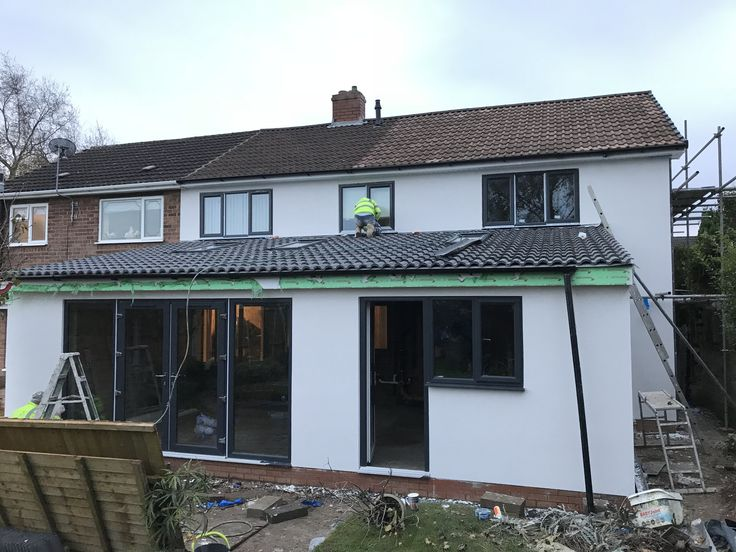 """1.5mm Acrylic render in """"Chalky"""" colour on a property in Staffordshire. Completed mid-November 2017"""