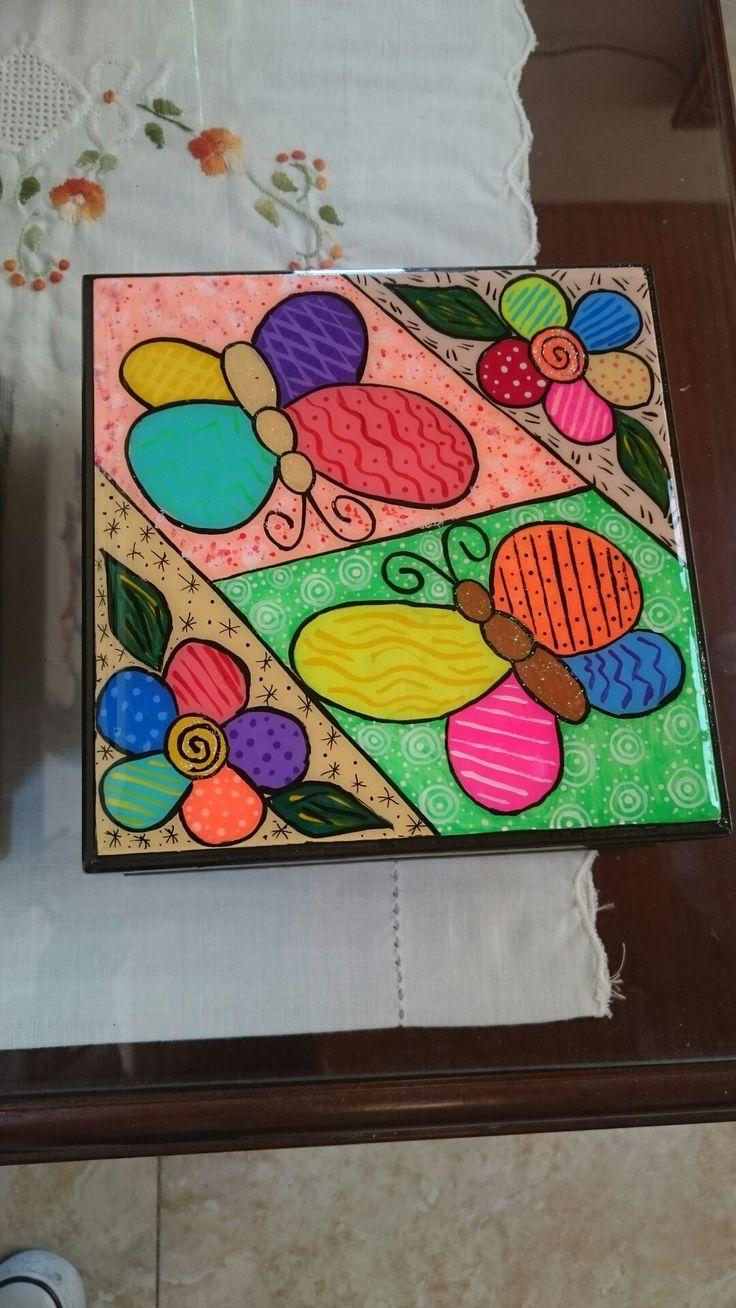 Servilletero en madera pintado a mano