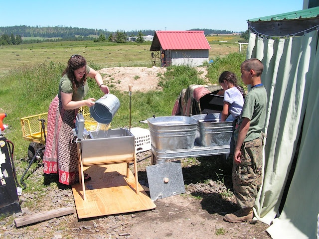 Equipment review:  The James Washer.  How homesteaders wash their clothes without an electric washer.