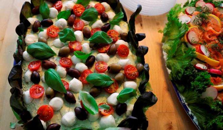 Denna tårta är även god som ett tillbehör till kallskuret om man tycker om kött, t.ex. på en italiensk buffé. Obs, den innehåller vanligt bröd, ost och smör.