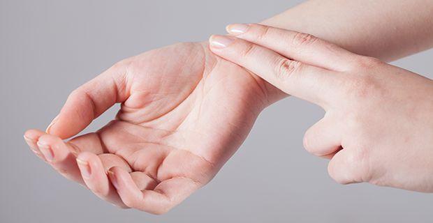 Pulssin tunnustelu aamuin illoin on helpoin ja halvin tapaa edistää eteisvärinän varhaista diagnoosia.