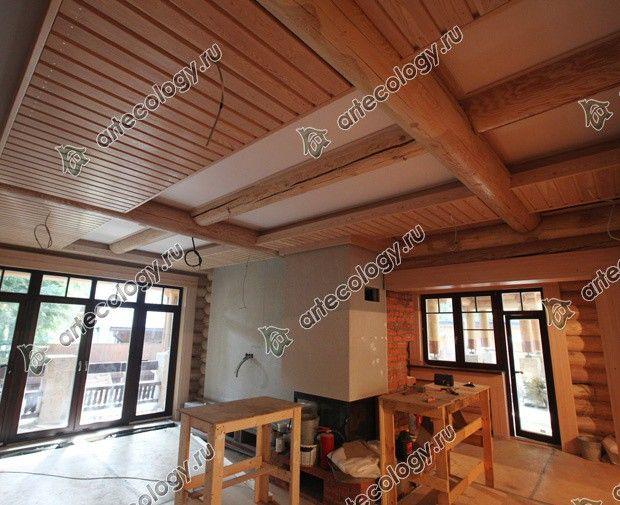 Реконструкция дома из лиственницы 2012 год. Потолок гостиной.