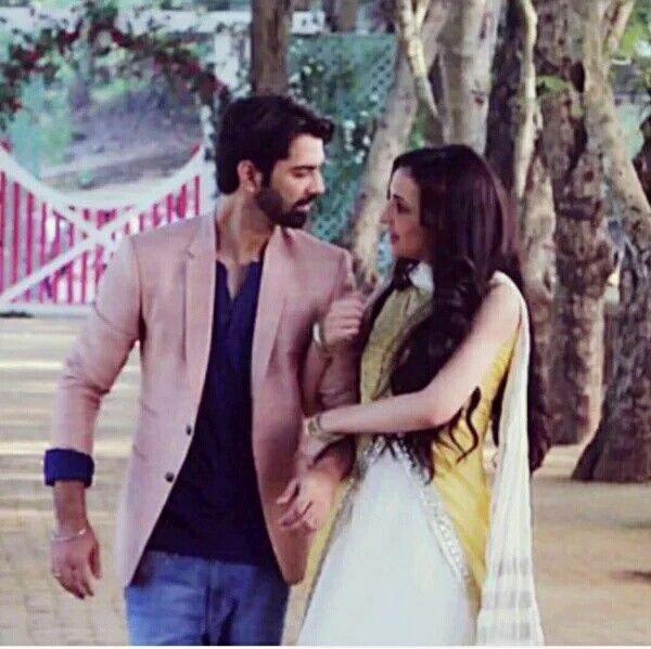 Barun and Sanaya on set of Shooting #ipkknd EkJashn