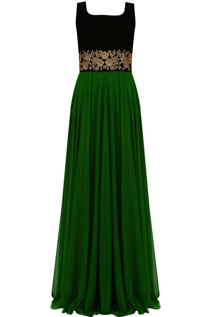 Emerald green and black floral embroidered flared gown available only at Pernia's Pop Up Shop.