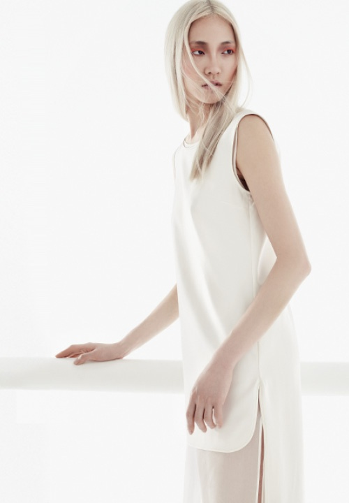 Ethereal and minimal by Giambattista Valli. $2900 #fashion #springtrend #transparency