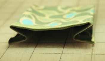 Sewing Tutorial:  Expandable gusset pockets