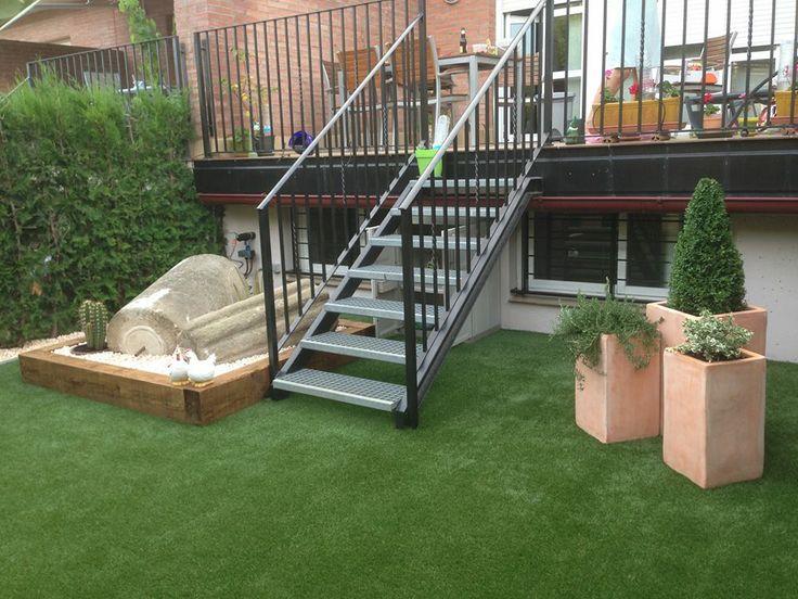 Decorar el jard n de tu casa con c sped artificial for Ideas para decorar el jardin de casa