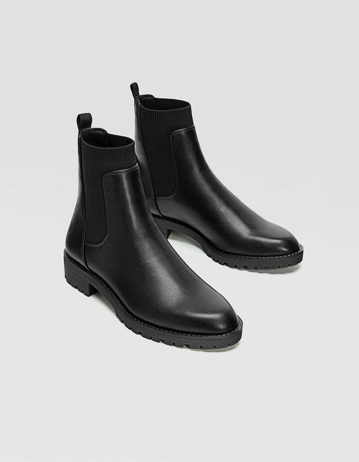 At Stradivarius You Ll Find 1 Black Low Heel Chelsea Boots For Just 29 99 Slovakia Visit Now To Discover This And More N Boots Outfit Men Chelsea Boots Boots