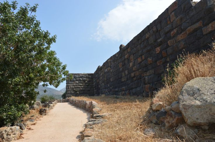 Nisyros Mandraki Castrum