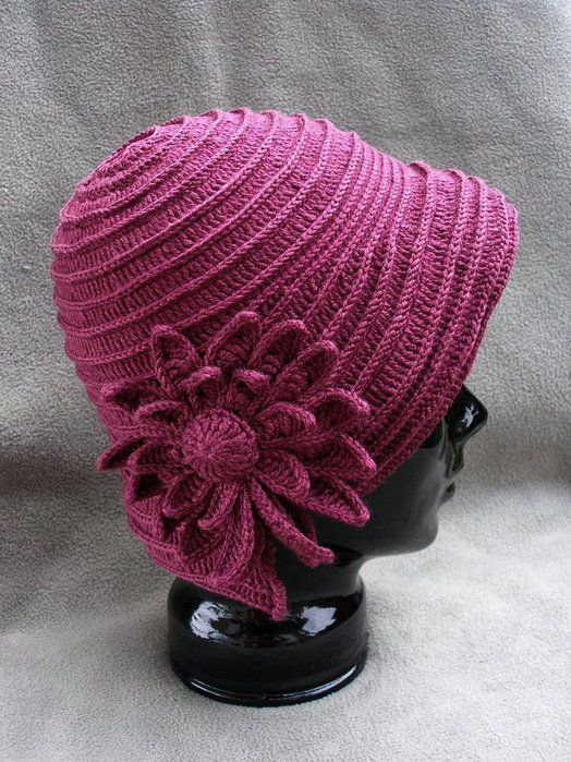Pink hat with a nice tutorial!