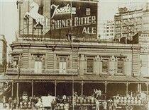 Paragon Hotel in Circular Quay,Sydney in the 1920s.