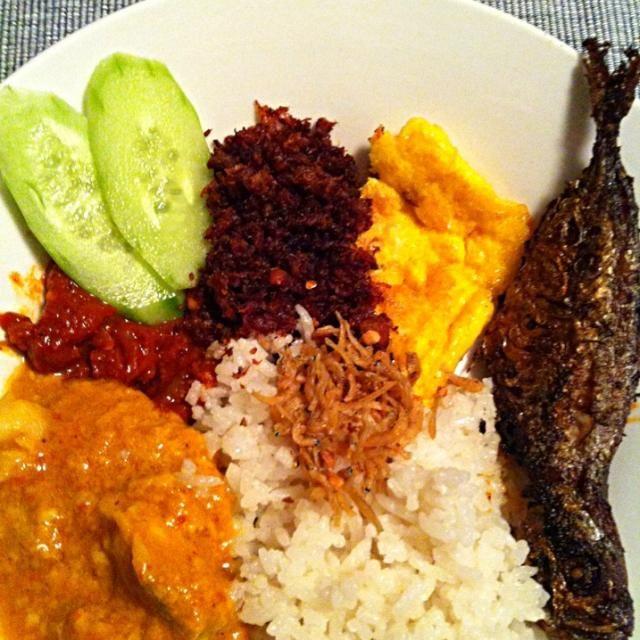 レシピとお料理がひらめくSnapDish - 27件のもぐもぐ - Nasi lemak by mikko tan