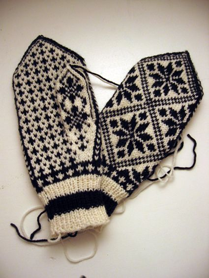My biggest passion these last couple of months has been stranded colour work. And not just any kind of colour work, but going back to my roots and knitting traditional Norwegian mittens (genericall...