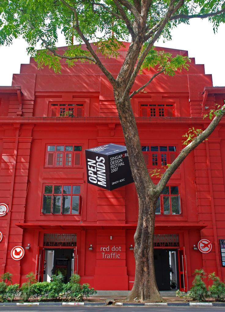 Red Dot museum, Singapore... Menikmati museum desain yang unik dan kontemporer, it's time to feast your senses! #SGTravelBuddy