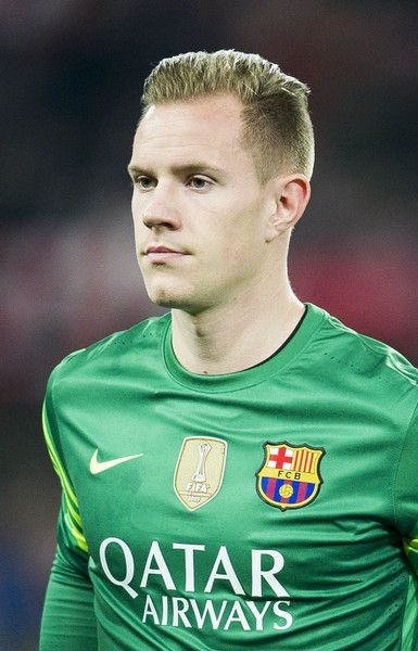 Marc-Andre ter Stegen of FC Barcelola looks on prior to the start the Copa del Rey Quarter Final First Leg match between Athletic Club and FC Barcelola at San Mames Stadium on January 20, 2016 in Bilbao