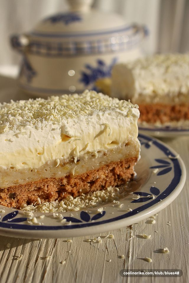 Lagani i osvježavajući kolač punog okusa banane,poseban jer je bez ulja i margarina(maslaca)!