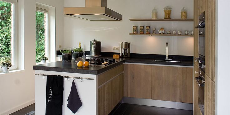 Modern landelijke keuken combineert gezelligheid met eigentijdse stijl