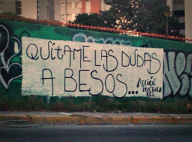 ...A besos. Acción poética.