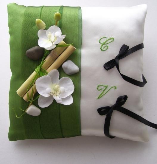 """Coussin pour alliances """"zen"""", vert blanc noir"""