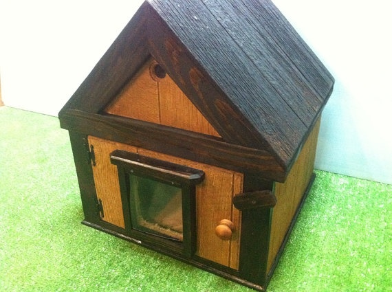 25 best ideas about heated outdoor cat house on pinterest for Insulated outdoor dog house