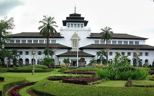Gedung Sate - Satay Building
