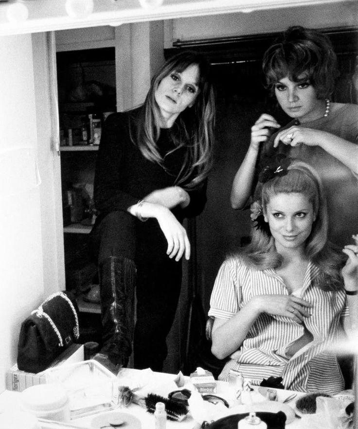Francoise Dorleac and Catherine Deneuve. (via Daphne Heimering)