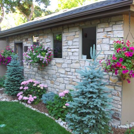 39 best images about front yard landscaping on pinterest for Exterior side yard