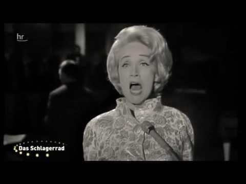 Hildegard Knef - Für mich soll's rote Rosen regnen 1968 Mit sechzehn sagte ich still, ich will, will groß sein, will siegen, will froh sein, nie lügen, mit s...
