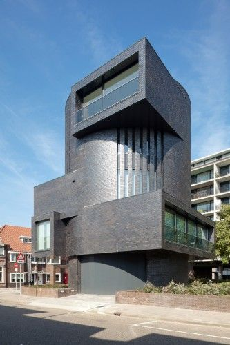 Apartment building by Bedaux de Brouwer Architecten. Tilburg, The Netherlands.