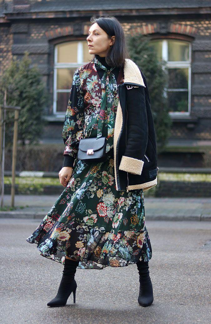 https://minimalissmo.blogspot.com/search?updated-max=2018-02-08T19:54:00%2B01:00&max-results=5  #fashion #moda #dress #flowerdress #jacket #shipskin #outfit