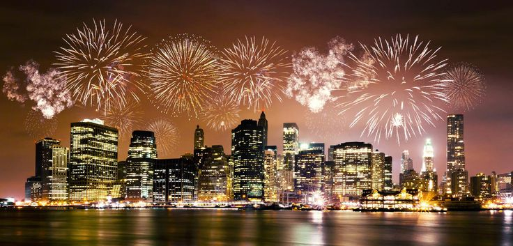 Avec DeinDeal vous passez des vacances au nouvel an avec nuitées à l'hôtel 4 étoiles Millenium Hilton Hotel ou au hôtel 4 étoiles DoubleTree by Hilton. Le prix à partir de 3'499.- comprend les vols, le transfer, le visite en bus Hop-on-Hop-off et une croisière.  Réserve ici ton séjour nouvel an: http://www.besoin-de-vacances.ch/sejour-nouvel-an-a-new-york-2-personnes/