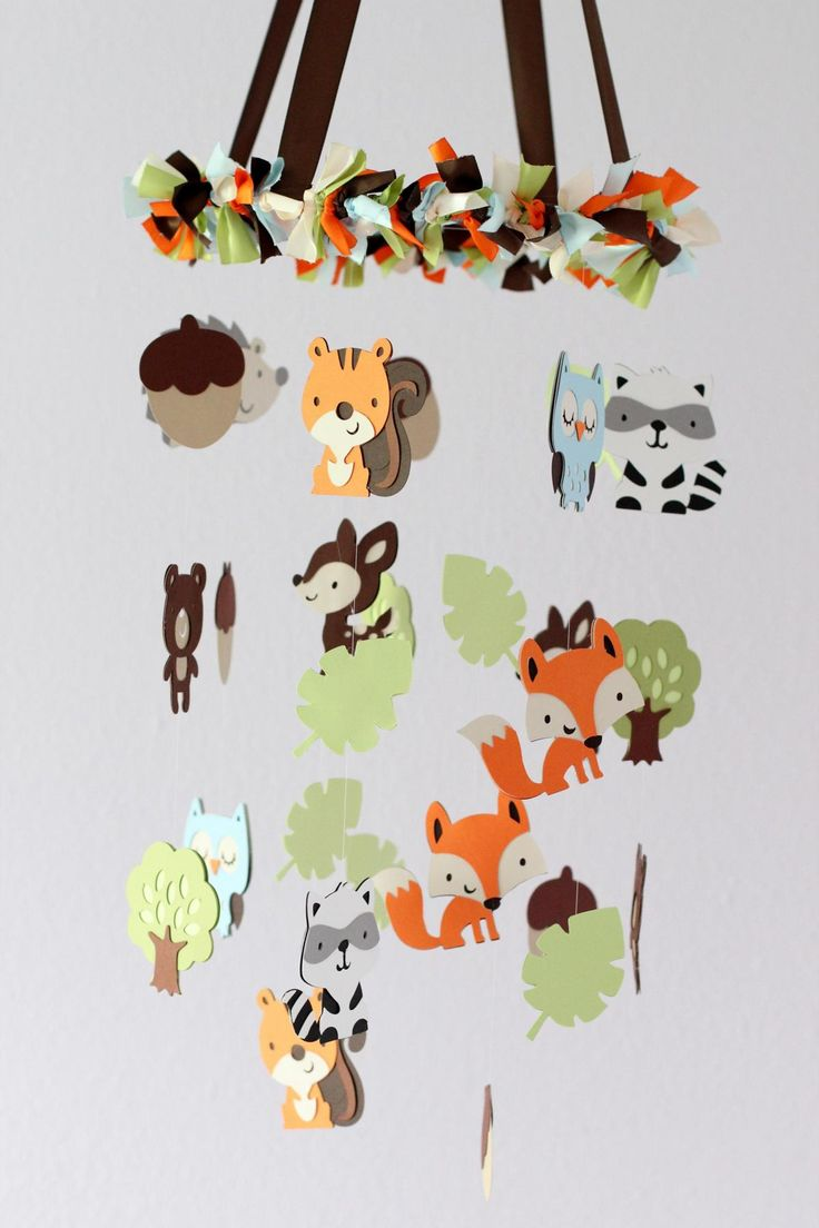 Forest Friends Nursery Mobile-pretty sure I'm crafty enough to make this
