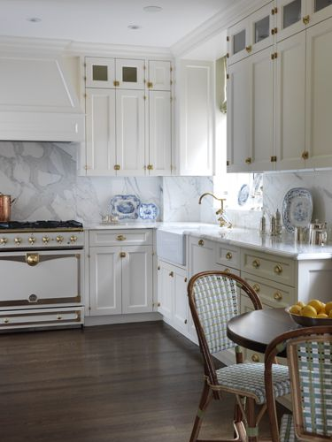 A gorgeous and fresh white Kitchen on the Upper East Side by Elizabeth Bauer Design.